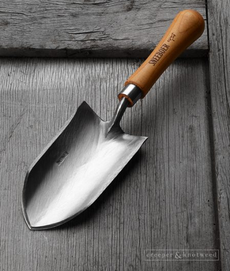 Sneeboer Kappe trowel with Cherry wood handle © creeperandknotweed.co.uk